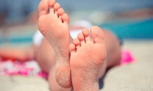 Грибок между пальцами ног: симптомы и лечение разными средствами
